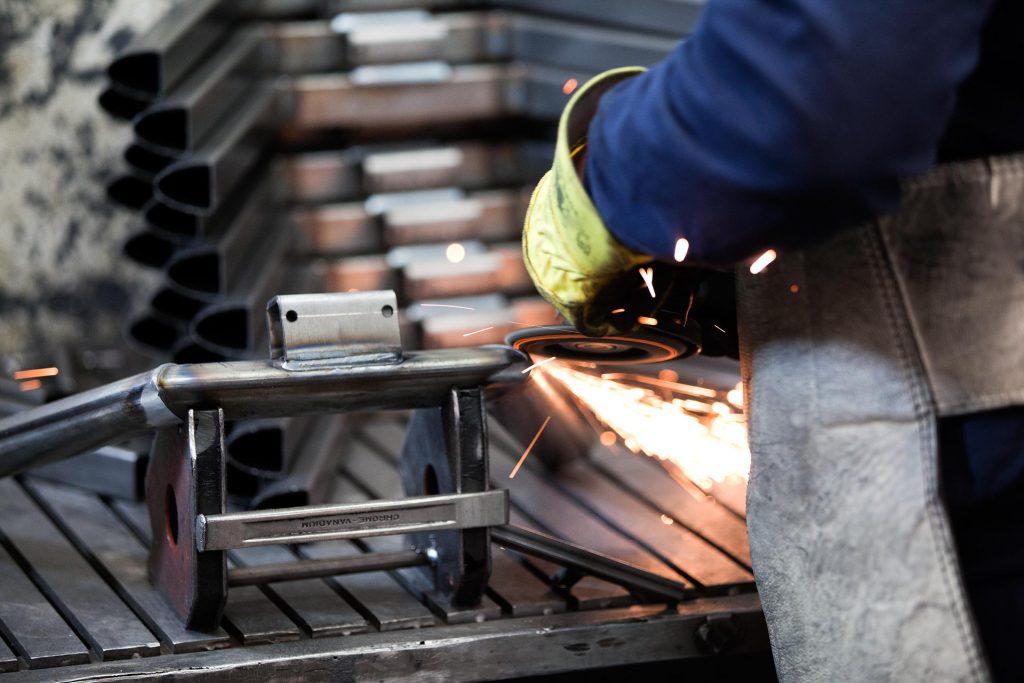 fabrica de muebles de metal